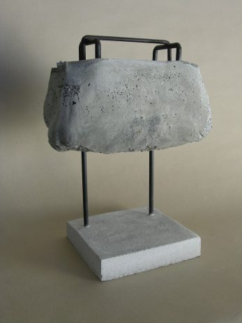 Sanchez 2009, Beton, Rundeisen 50 x 42 x 16 cm