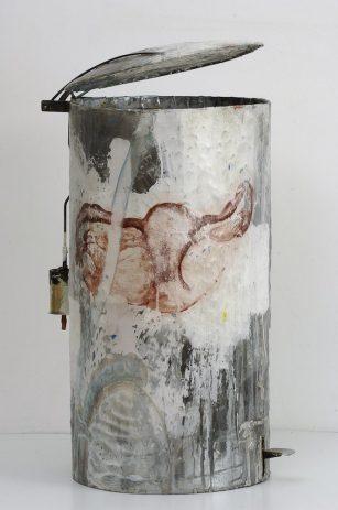 Ovariae geöffnet 2006, Öl, Lack auf Zinkblech, ca. 30 x 40 x 95 cm