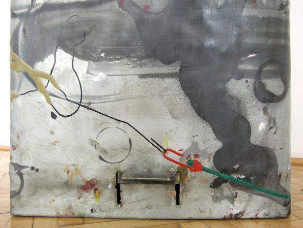 23% 2009, Detail Front, Öl, Lack auf Zinkblech, Aluminium, 40 x 55 x 91 cm