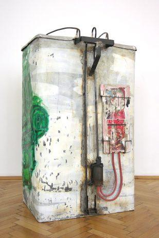 Kamaz 2008, Rückansicht  Öl, Lack auf Zinkblech, Aluminium, 40 x 55 x 91 cm